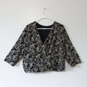 Travel Smith Trendy Front Crossover Top 1X